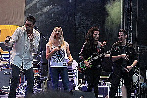Coverband StreetLIVE Family: Joe Whitney, Annabell Kay,  Sevan Gökoglu,